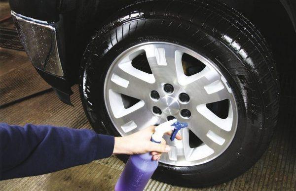 Чернение резины колес авто