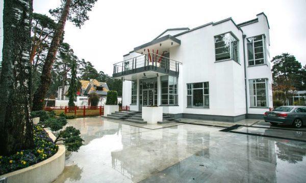 Дом Лаймы Вайкуле в Юрмале