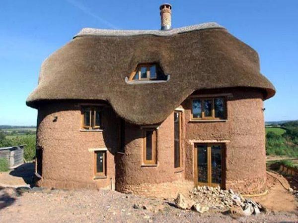 Дом из кирпича из глины