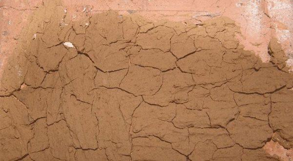 Засохший глиняный раствор