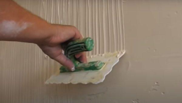 Пластиковый шпатель с волнообразным шпателем своими руками