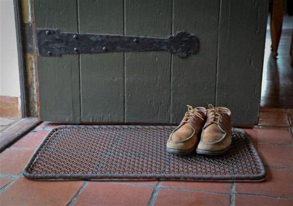 Металлическая сетка для чистки обуви