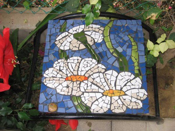 Мозаика из битой керамики