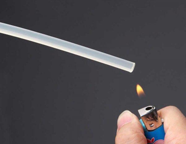 Расплавление термоклея зажигалкой