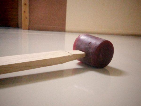 Самодельный молоток из полимерного клея