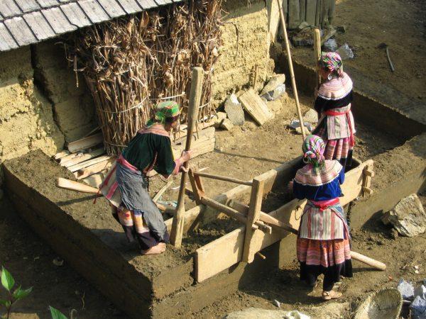 Строительство дома из земли