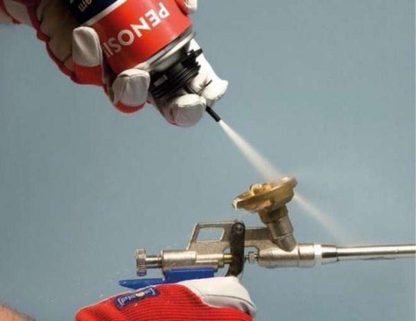 Очистка пистолета от монтажной пены