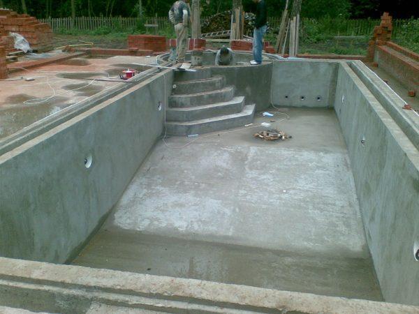 Чаша бассейна из водонепроницаемого бетона
