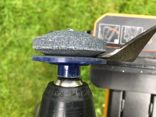 Камень для заточки ножей газонокосилок