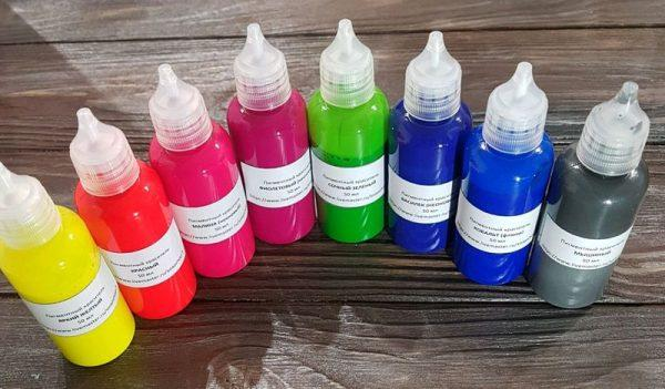 Красители в бутылочках