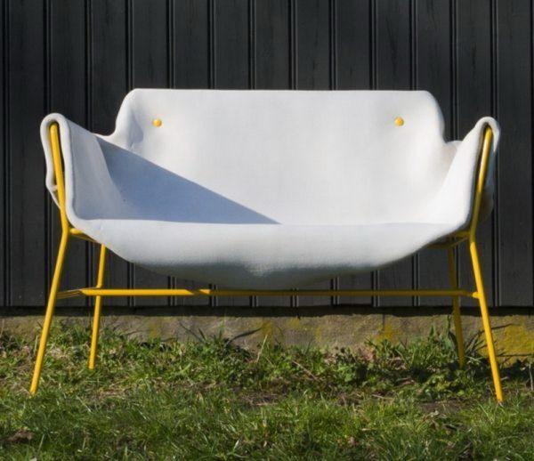 Садовая скамейка из бетонного полотна