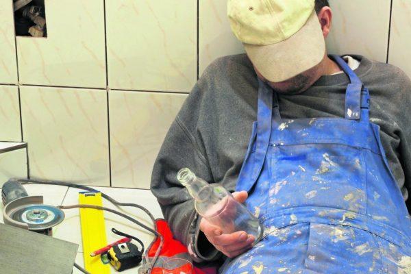 Употребление водки при покрасочных работах