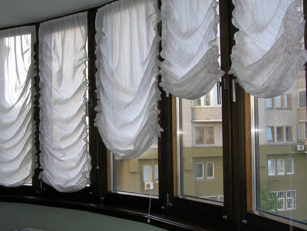 Австрийские шторы на лоджии