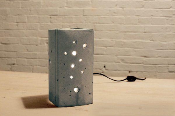 Креативный светильник из упаковки с под молока
