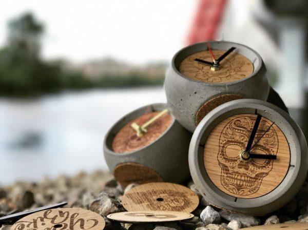 Дизайнерские бетонные часы