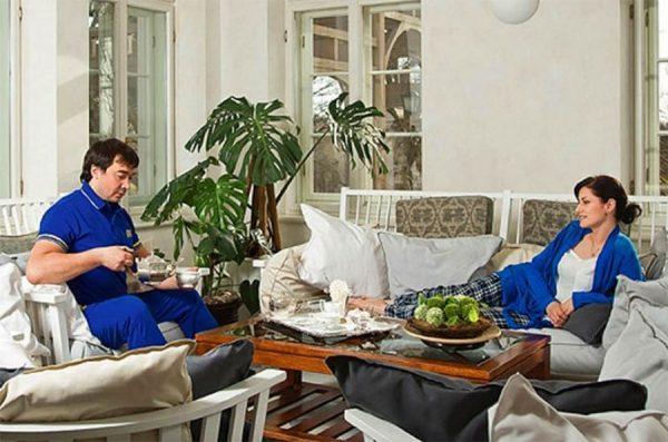 Элегантная столовая зона в доме Анны Ковальчук