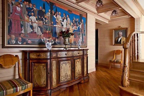 Художественный музей в холле