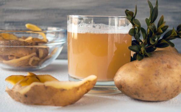 Картофельный отвар может убрать налет