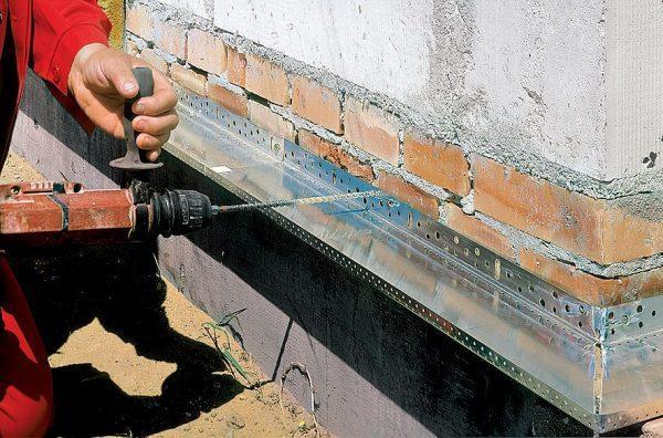 Цокольный профиль для мокрого фасада