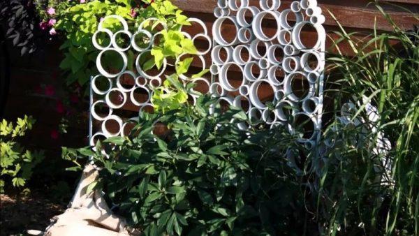 Ширма-перегородка из пластиковых труб