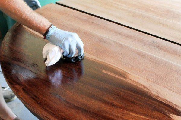 Обработка древесины воском