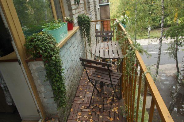 Маленький тесный балкон