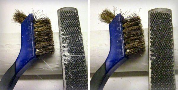 Очистка напильника щеткой по металлу