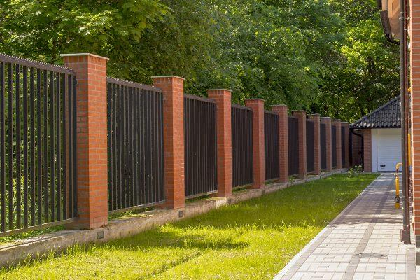 Ограждение территории частного дома