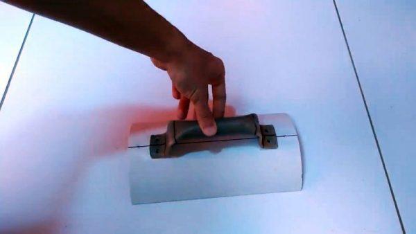Крепление ручки на ящик из трубы