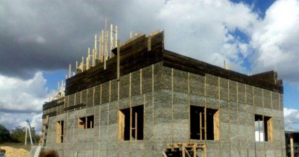 Заливной дом из опилкобетона