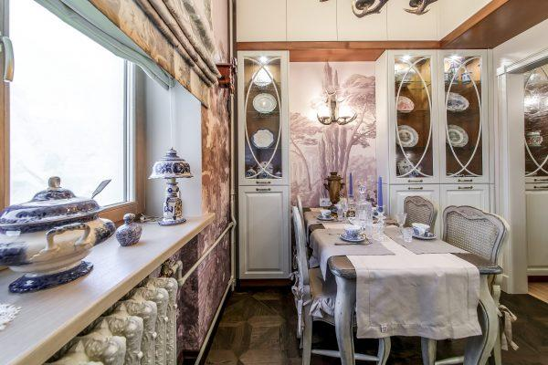 Кухня в квартире Немоляевой