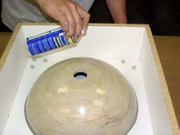 Подготовка формы для искусственного камня
