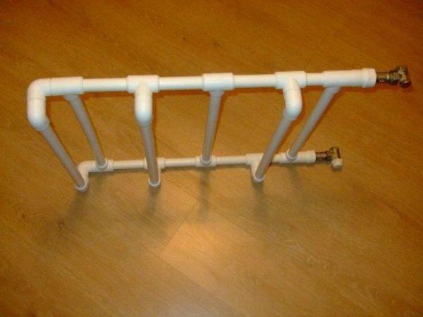 Вешалка для полотенец из труб ПВХ