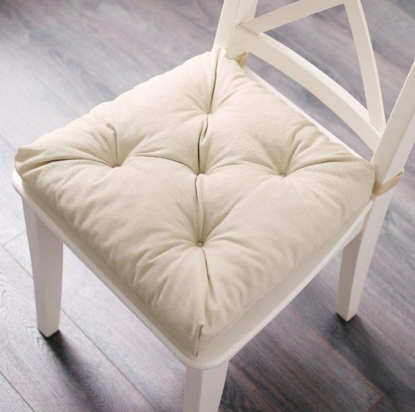Удобная накладка на стулья