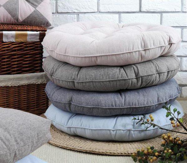 Напольные подушки в японском стиле