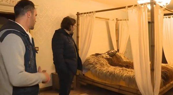 Спальная комната в доме Милявской