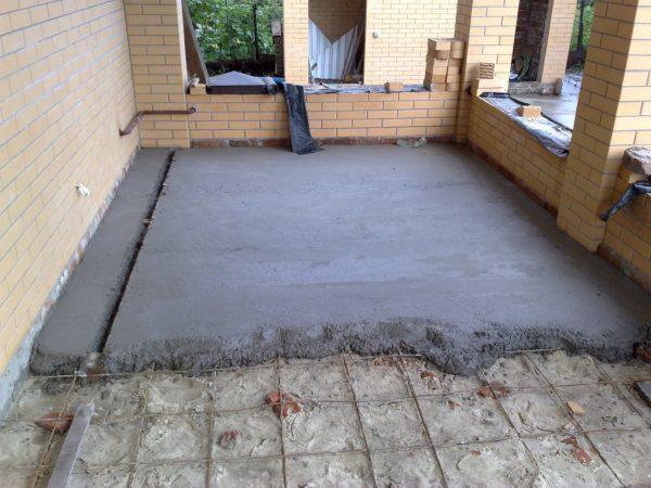 Устройство стяжки из бетона М150