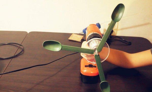 Вентилятор из дрели и ложек