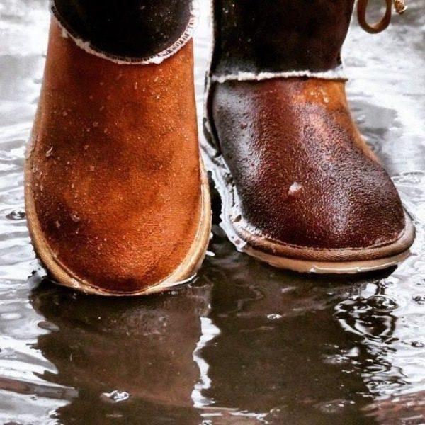Сухой и мокрый ботинок