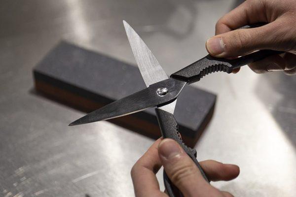 Восстановление остроты ножниц