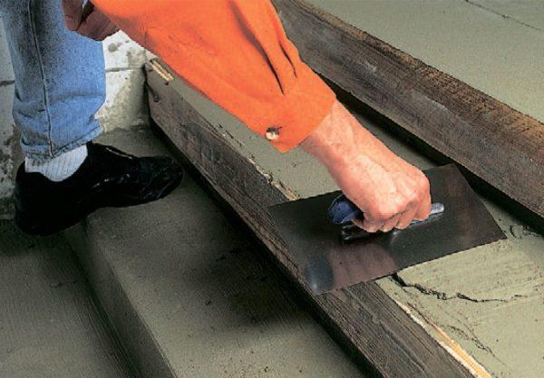 Выравнивание бетонных ступеней