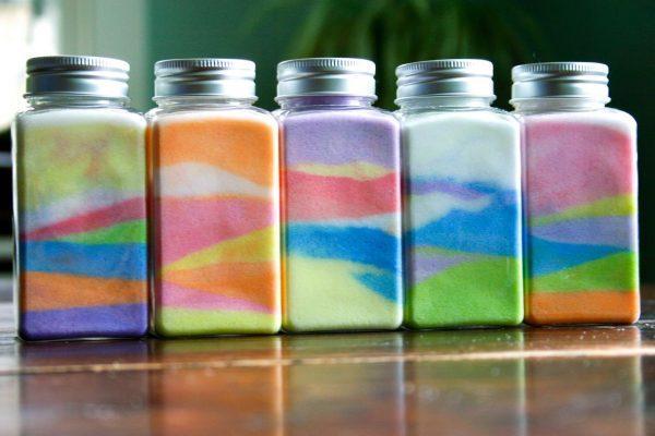 Баночки с разноцветной солью
