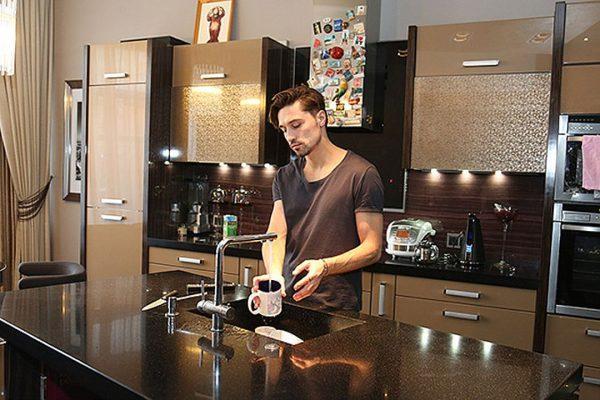 Билан на кухне в Рассказовке