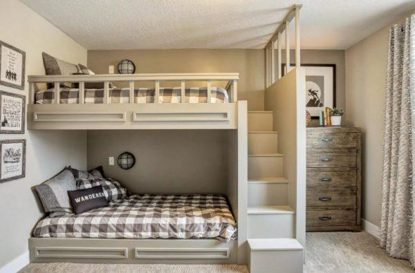 Комната с двухэтажной кроватью
