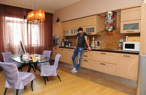 Кухня в квартире Билана