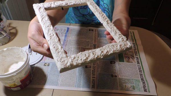 Декоративная фоторамка из шпаклевки