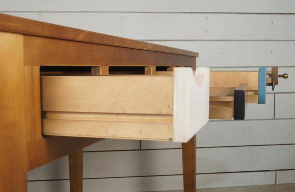 Выдвижные деревянные ящики