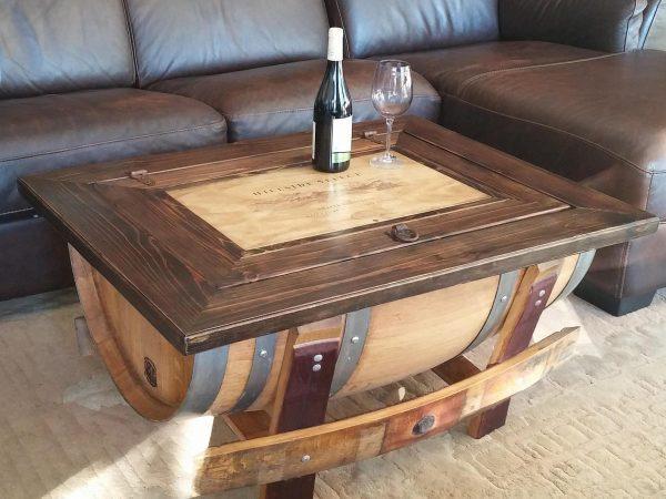 Журнальный столик из деревянной бочки