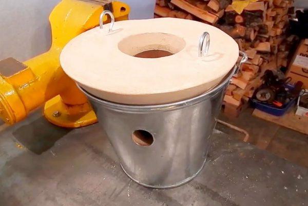 Плавильная печь из ведра