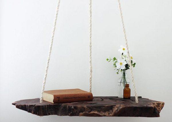 Подвесной стол из дерева